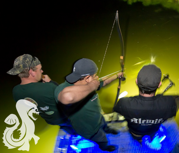 Bow fishing for snakeheads in Mattawoman Creek, MD